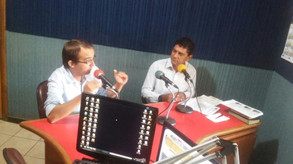 O Vereador Rodriguinho participou do Programa Legislativo Forte pela Rádio Primavera
