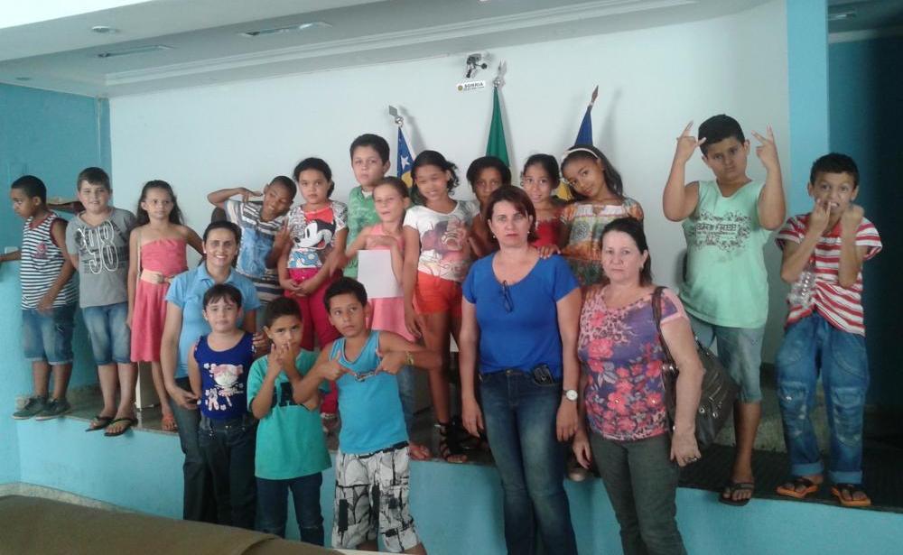 Alunos da Escola José Pedro de Fária visita a Câmara Municipal de Itapuranga