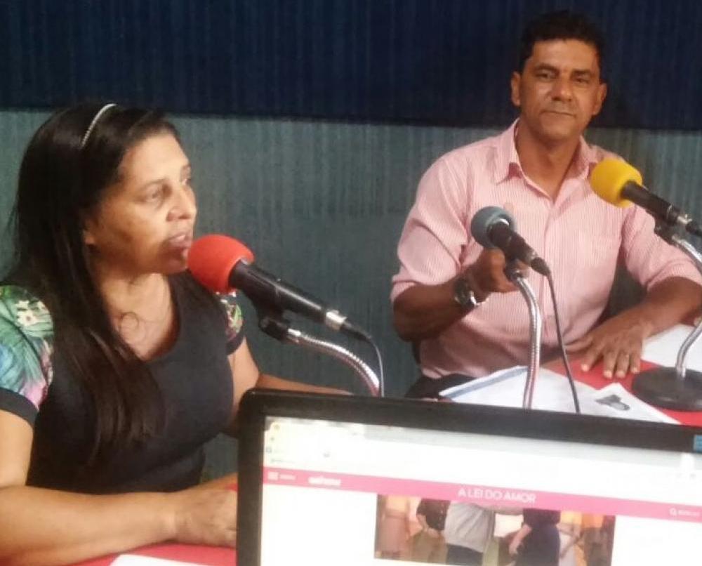 Vereadora Elaininha participa do Programa Legislativo Forte