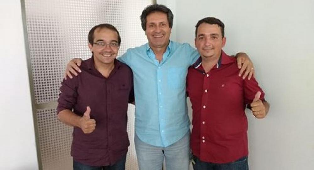 O Vereador Rodrigo Pereira (Rodriguinho) esteve reunido com o Prefeito Daves Soares